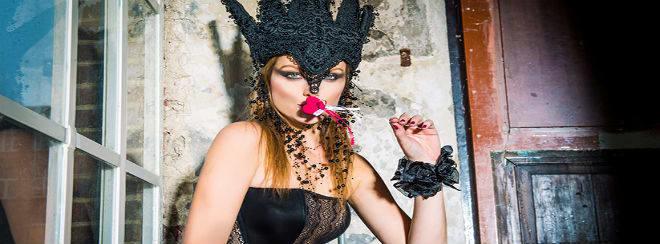 Pabo mask lady